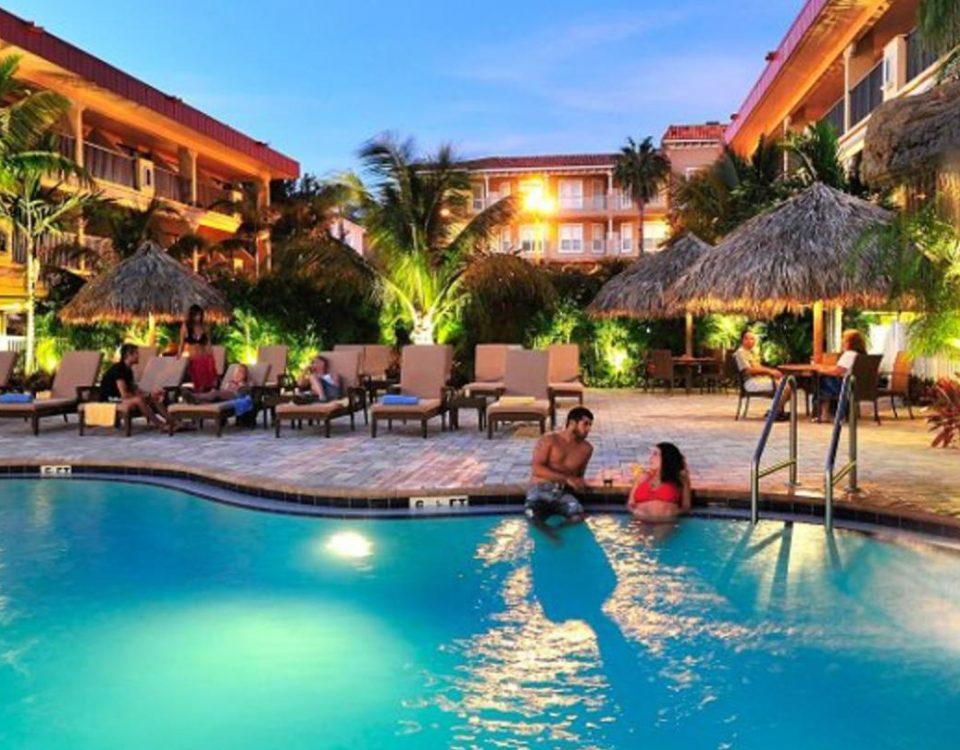 Hotel swimming pool - Xperience Florida Marine